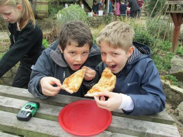 Families on the Farm - Pizzas & Plants August